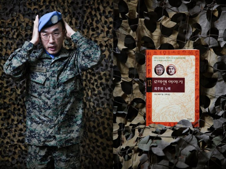 Major Cheuk Kim (South Korea). When you working with people from different cultures, it is necessary to get informed by reading books. Before leaving for the mission I knew I was in a base with many Italians and I began to read a collection of 15 books about the Roman history written by a Korean who married an Italian. I love Augustus for his intelligent and keen to control the entire Mediterranean. In my spare time I give taekwondo lessons, is a discipline that teaches soldiers to control their own negative impulses, such as in the sexual sphere or the use of alcohol.